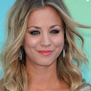 Teen Choice Awards 2011 PHOTOS- Kaley Cuoco, Selena Gomez, Taylor Swift, Avril Lavigne, Blake Lively, Kim Kardashian, Zoe Saldana