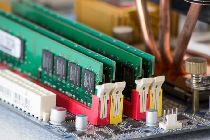 memory-chips-memory-ram-ram-memory-board
