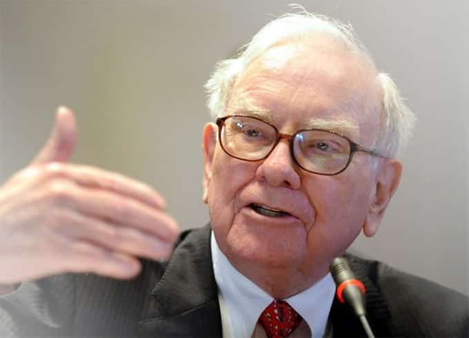 Warren Buffett CEO of the Berkshire Hathaway Inc.