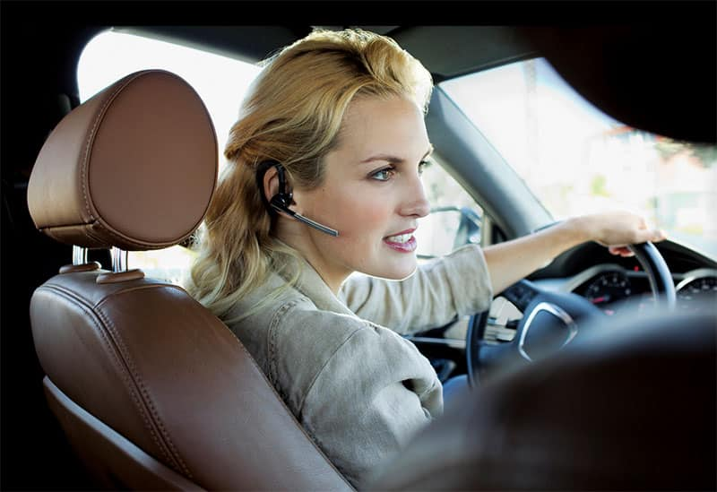 business-woman-driving