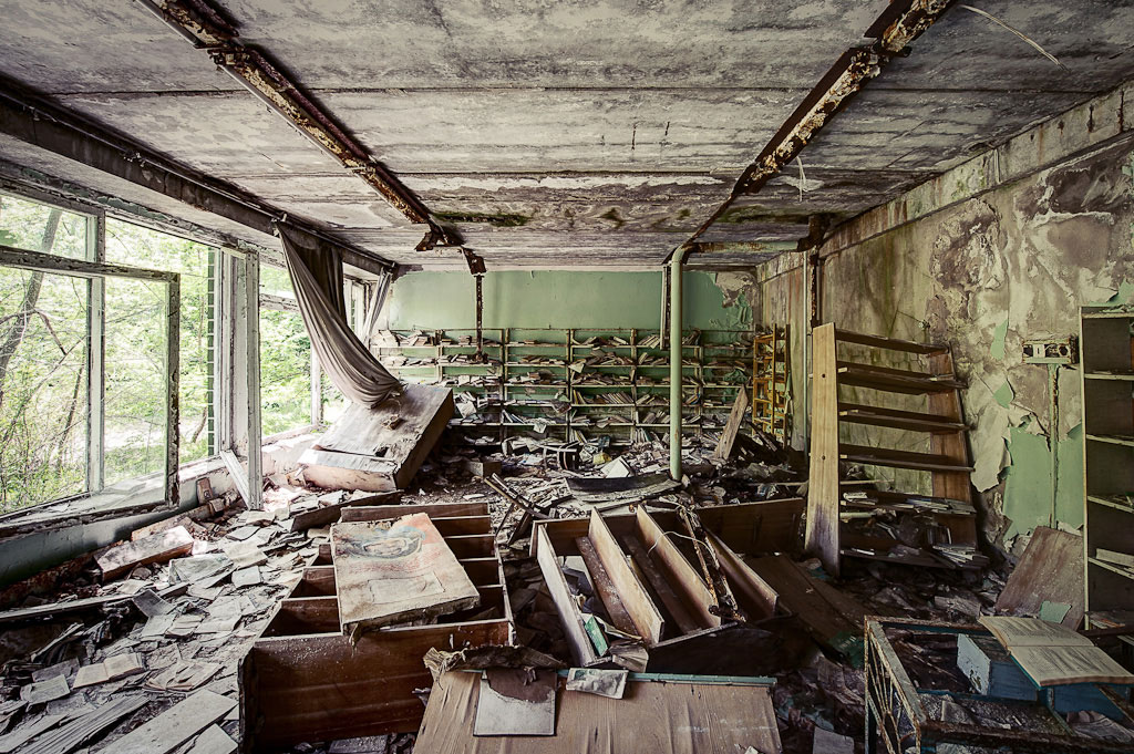 Abandoned-Schools-of-Pripyat-Ukraine-10