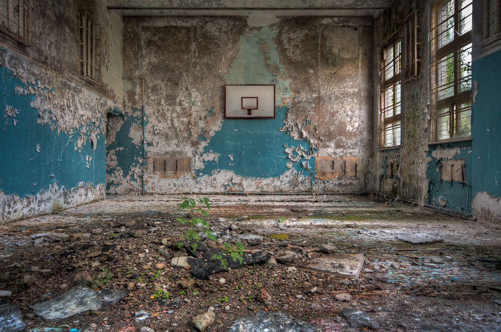 Abandoned-Schools-of-Pripyat-Ukraine-11