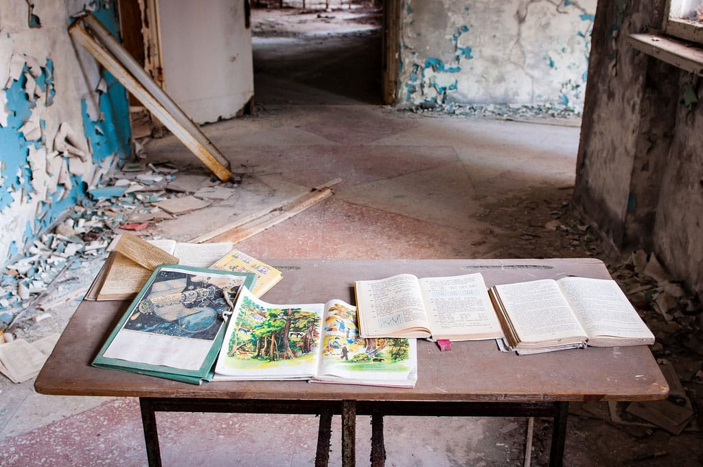 Abandoned-Schools-of-Pripyat-Ukraine-16