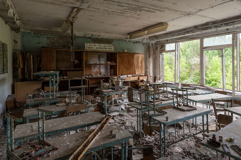 Abandoned-Schools-of-Pripyat-Ukraine-20
