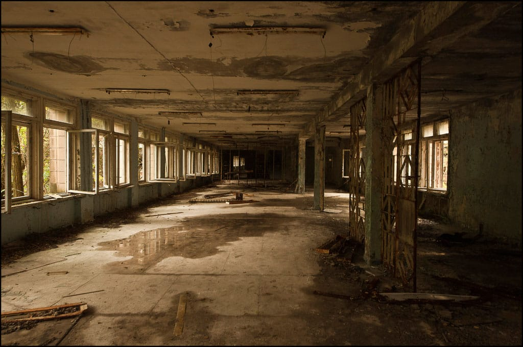 Abandoned-Schools-of-Pripyat-Ukraine-21