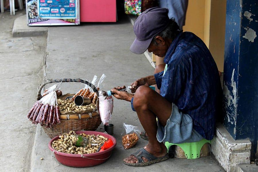 Peanut-Street-vendor-groundnut-Salesman-17