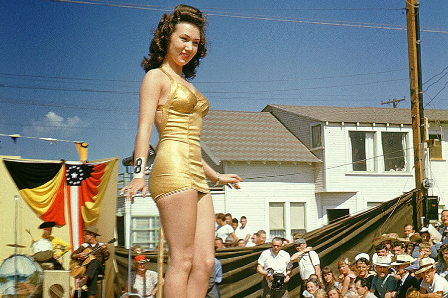 swimsuit-40s-11-swimsuits-history-2