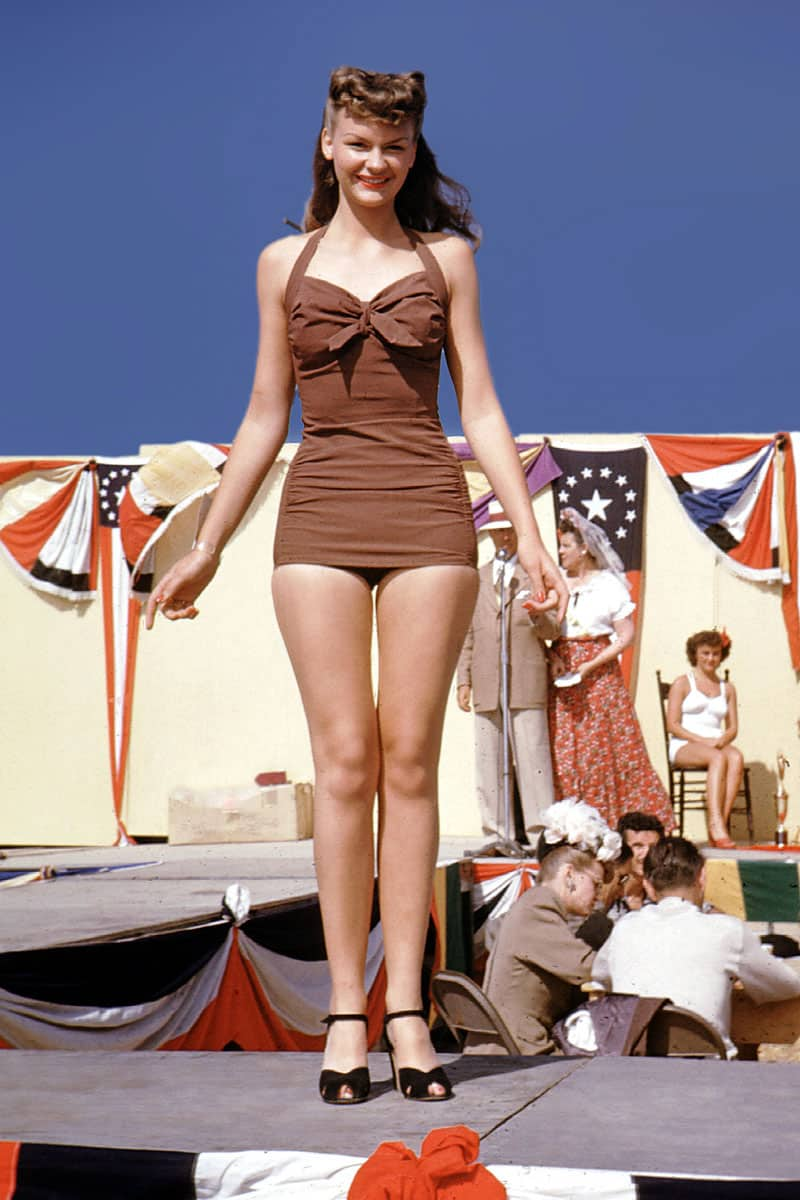 swimsuit-40s-swimsuits-history-1