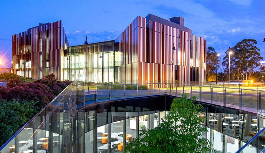 Macquarie Graduate School of Management (MGSM) - Australia